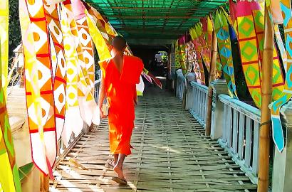 moine temple chiang mai thailande