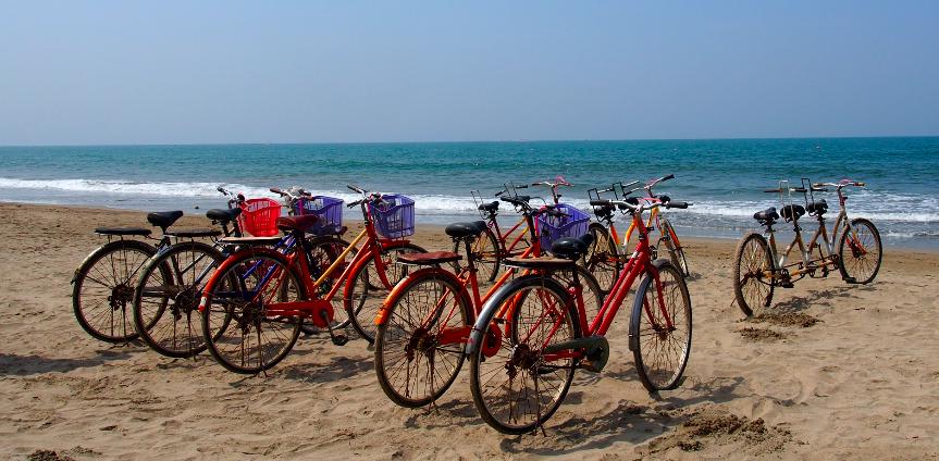 velo chaungtha beach