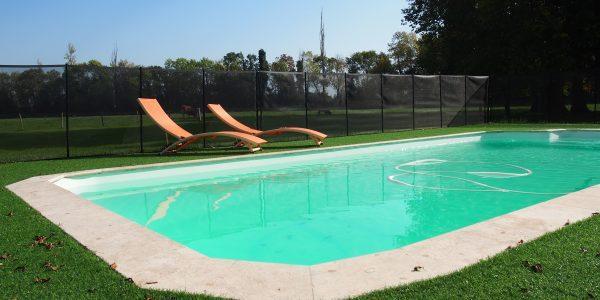 piscine privée château couffins